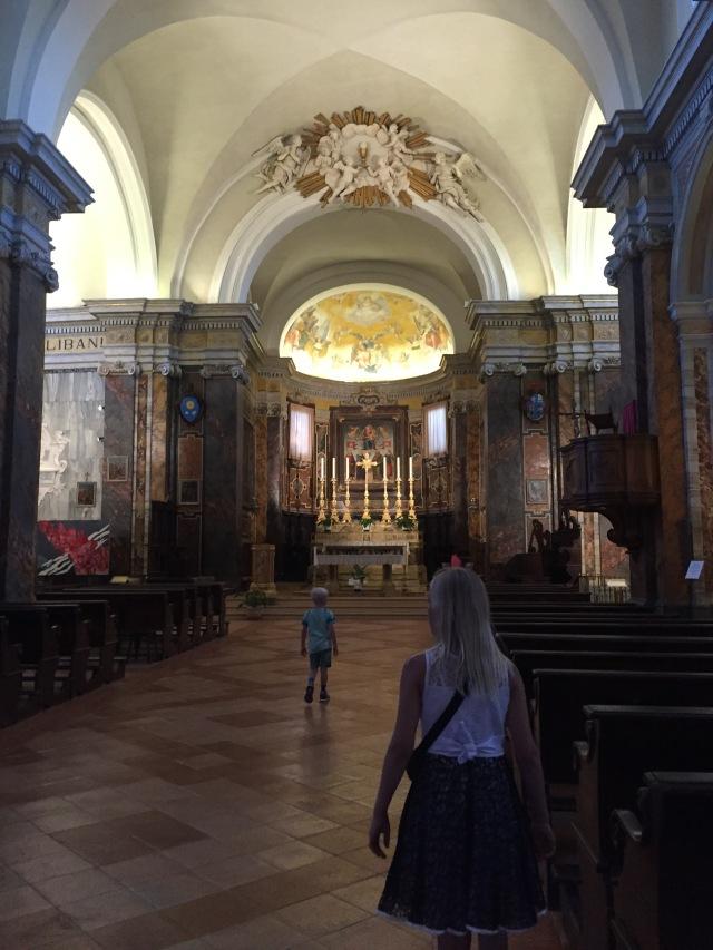 Og en tur i kirken også....