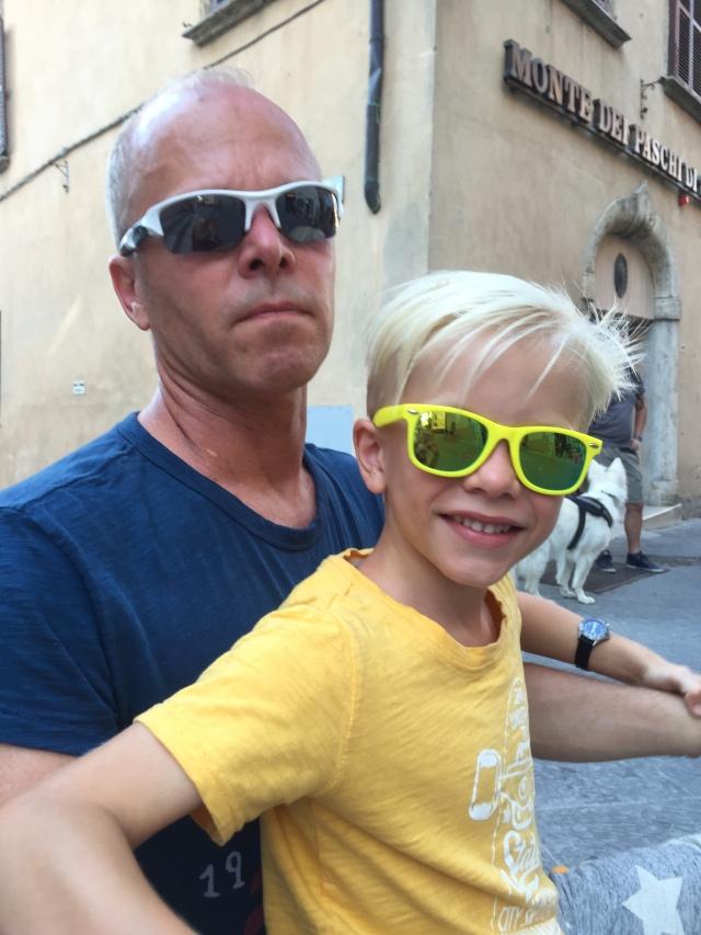 Basse fik også nye solbriller